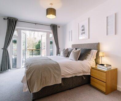 bedroom-5772286_1280-ConvertImage